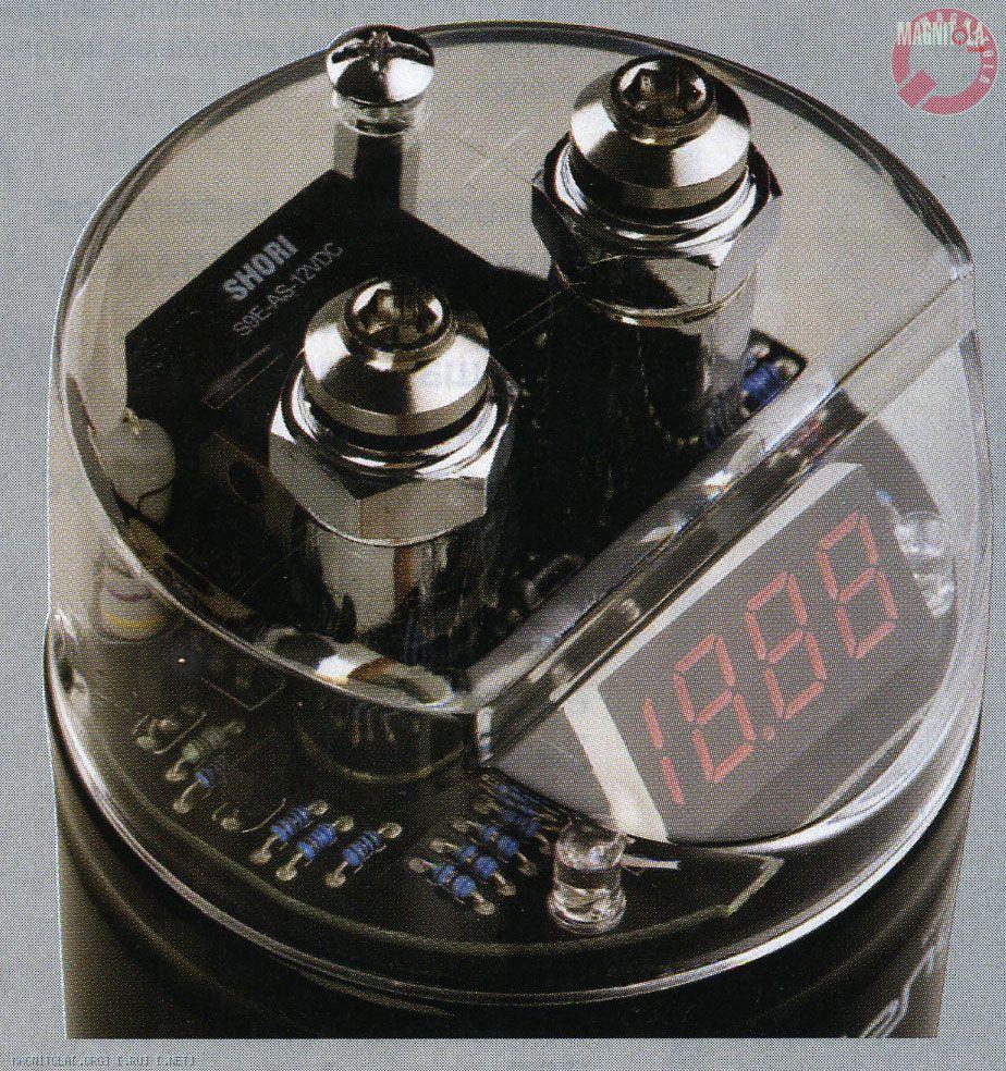 """Буферный конденсатор от Challenger - первый в этом тесте, имеющий схему  """"мягкого """" заряда.  С такой схемой не нужно..."""